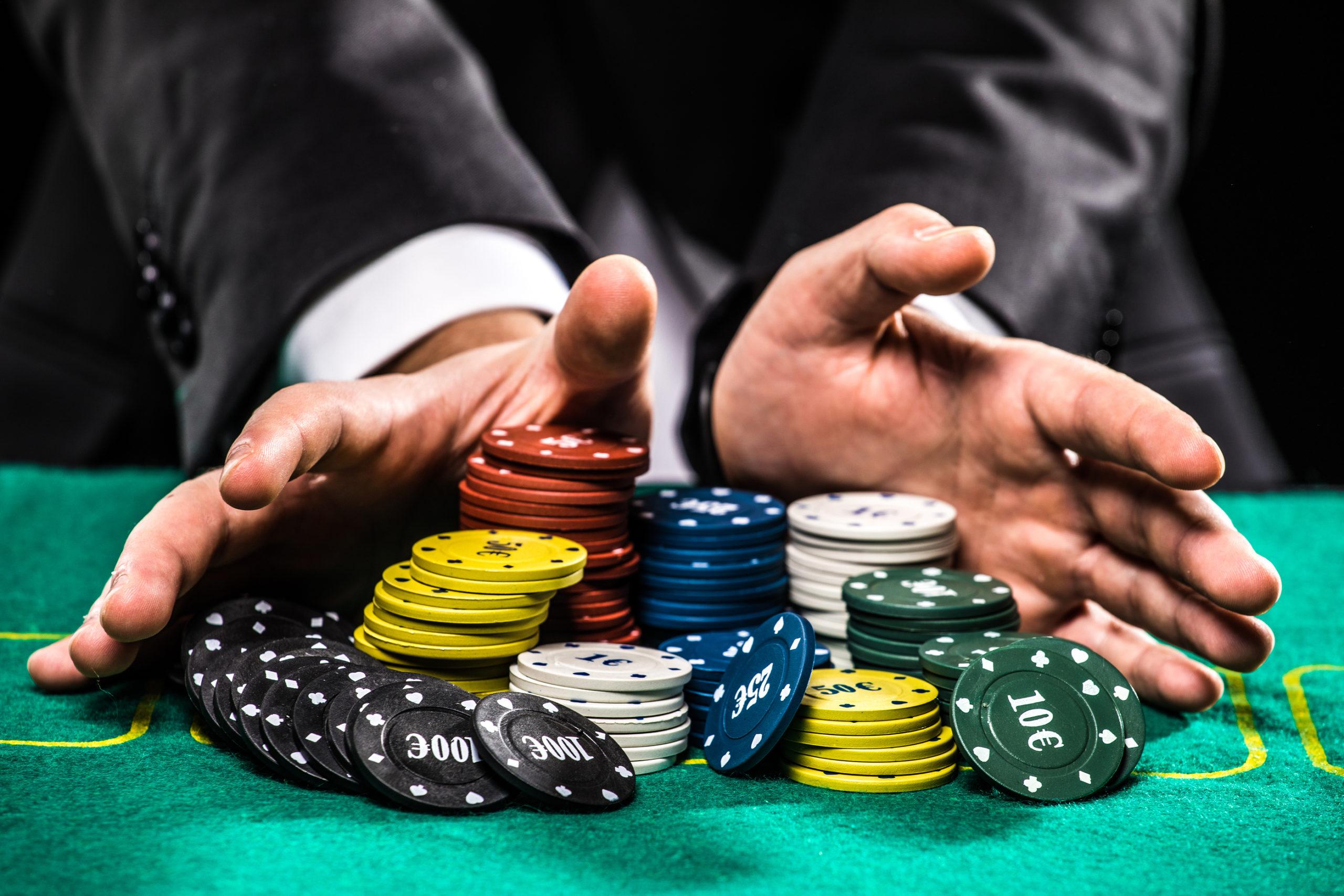 Playing Poker Online Games